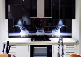 "A ""splash"" kitchen glass splashback"